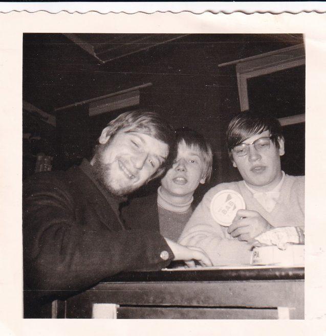 In Café Club (tegenover Blandijnberg), januari 1968. V.l.n.r. Walter 'Sus' Saey, Erkki Liukku, Guido Van Meir